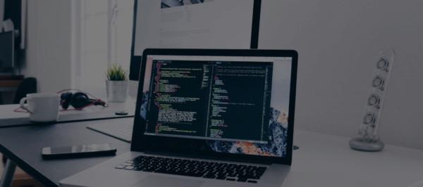 Γραφείο με Υπολογιστή Web Designer